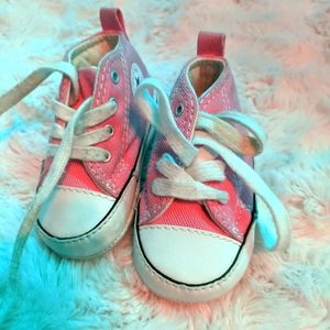 Baby pink converse size 1
